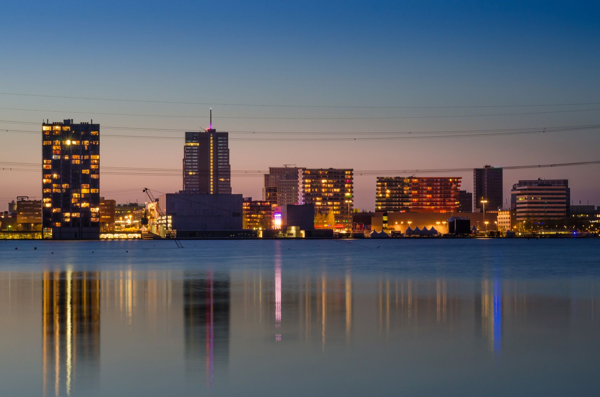 skyline-almere-night-9115d1bd Vereniging Bedrijfskring Almere - VBA Business Community